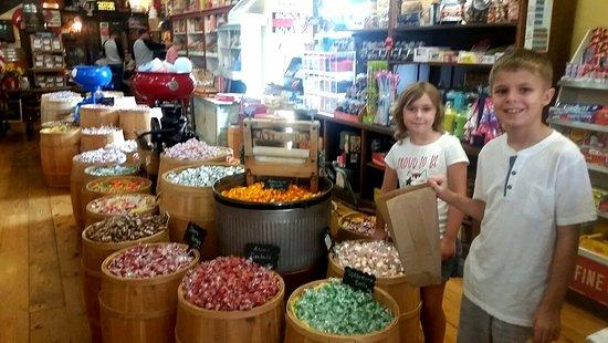 Caledonia, MO: Penny candy heaven!