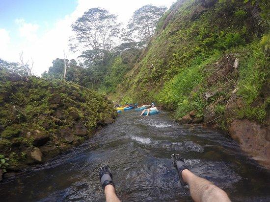 Hanamaulu, Χαβάη: Coming down the river