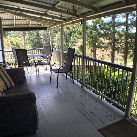 Tallebudgera, Australia: Historical Settlers Cottage front Balcony