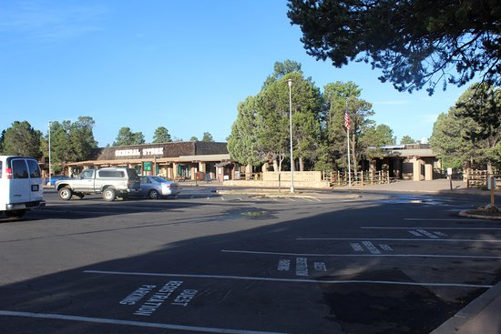 Yavapai Lodge: Supermarket/Food Store