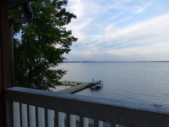 Fort Frances, Canada: Evening view from our balcony.