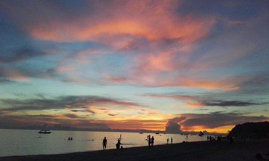 Sur Beach Resort: 20160727_182825_large.jpg