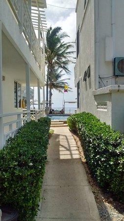 Hotel MS San Luis Village: corredor interno