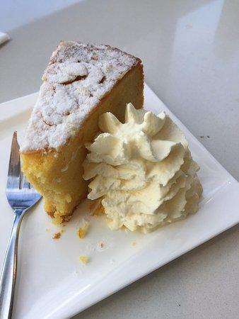 Indooroopilly, Australia: Orange and almond cake GF