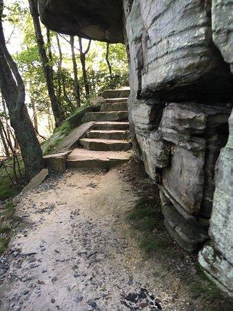 Pinnacle, Kuzey Carolina: Pilot Mountain State Park