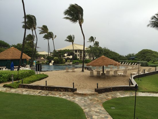 Kauai Beach Resort: The pools are kid friendly!