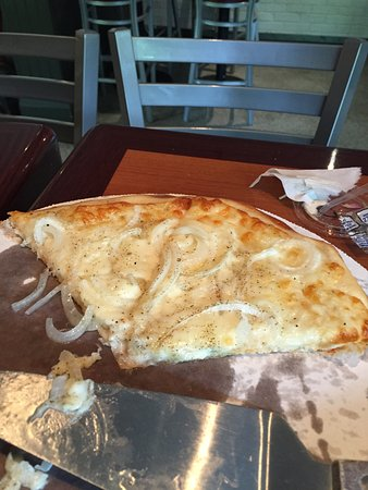 White pizza was exceptional!!