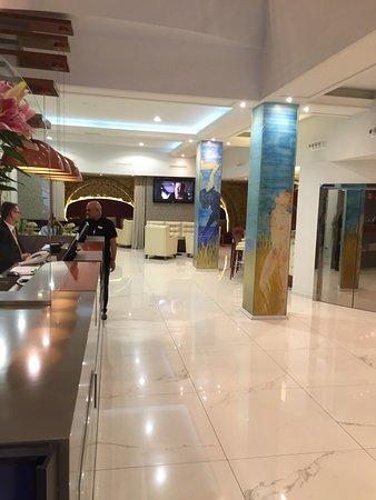 โรงแรมริโวลี่แรมบลาส: photo0.jpg