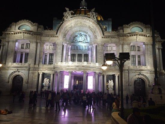 Ballet Folklorico de Mexico: El teatro de Bellas Artes