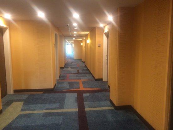 คลินตัน, มิซซิสซิปปี้: Hallway