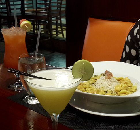 Trincity, Trinidad: Dinner & Drinks