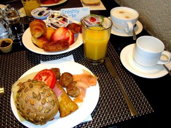 Kelsterbach, Tyskland: Breakfast
