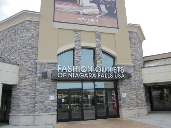 Niagara Falls Outlet Food Court