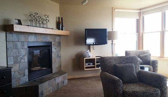 Tofte, MN: Master Suite 17B at Surfside!