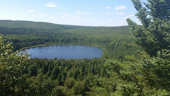 Tofte, MN: Beautiful view from scenic lookout 3 at the top of Oberg Mountain.