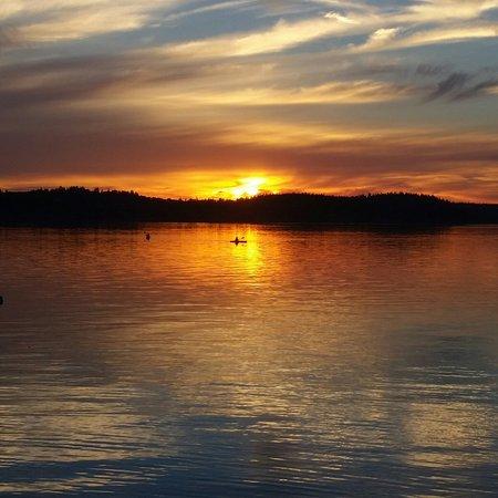 Sunset Marine Resort: 20160812_202504_large.jpg