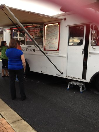 Crestview, Floride : Sandwich Express Food Truck