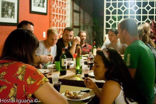 Iguana Hostel: Cena familiar