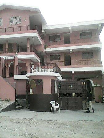 la colline hotel reviews price comparison saint marc haiti tripadvisor. Black Bedroom Furniture Sets. Home Design Ideas