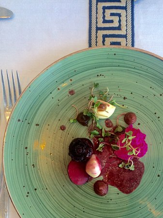 Camps Bay, Sudáfrica: Salt baked beetroot starter