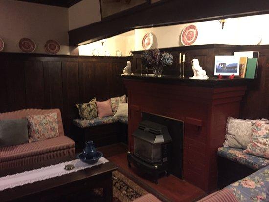 Oak Bay Guest House: photo2.jpg