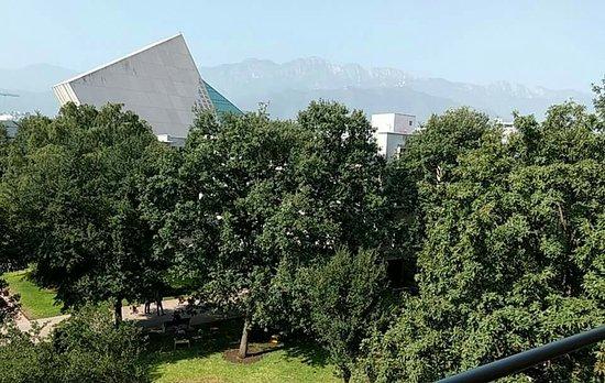 Instituto Tecnológico de Estudios Superiores de Monterrey (ITESM): received_1089143657835574_large.jpg