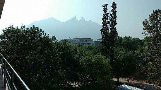 Instituto Tecnológico de Estudios Superiores de Monterrey (ITESM): received_1089143801168893_large.jpg