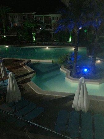 Aristoteles Beach Hotel: 20160817_225344_large.jpg