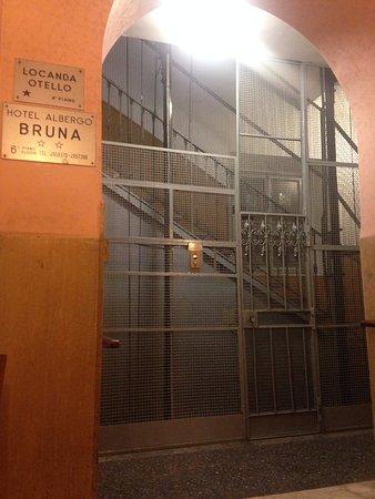 Locanda Otello: エレベータ乗り口