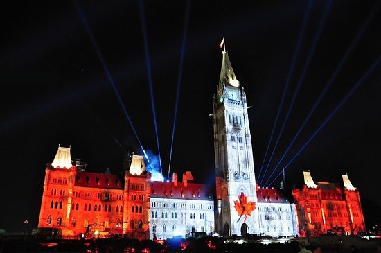 Ottawa, Canadá: Sound and light show on Parliament Hill 2016