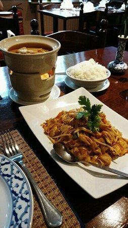 Thai Dusit: IMG_20160818_070055_large.jpg