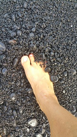 ‪Honokalani Black Sand Beach‬