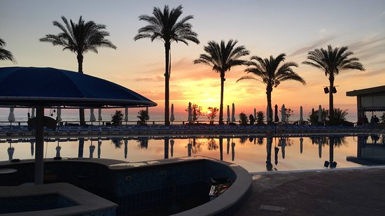 Abou Philippe Beach & Resort