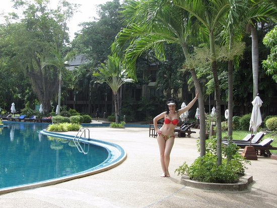 Бассейн отеля  - Picture of Green Park Resort, Pattaya