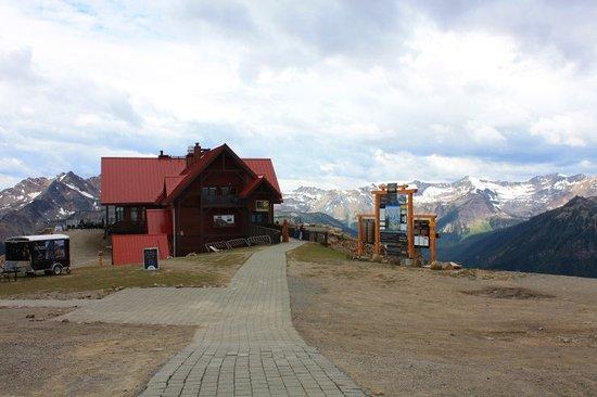 Golden, Kanada: Le restaurant d'altitude au sommet