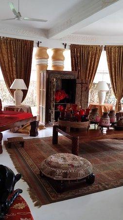 African House Resort : Una minima parte della hall