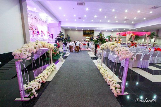 Wedding party picture of ayola tasneem convention hotel ayola tasneem convention hotel wedding party junglespirit Choice Image