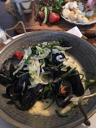 Polruan, UK: Mussels