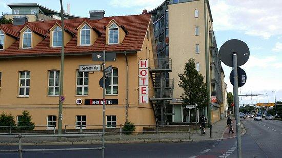 Check In Hotel