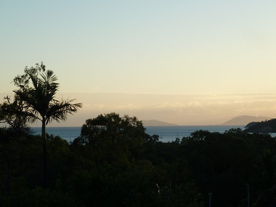 Airlie Beach Myaura Bed and Breakfast: this is a view from the balcony outside our room