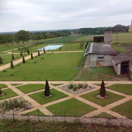 Vernantes, France : photo3.jpg