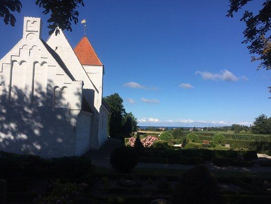 Femo Kirke