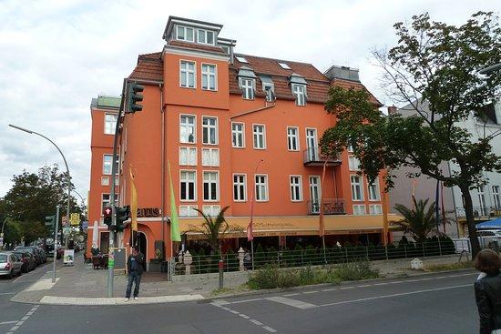 Yogi Haus Berlin Schöneberg Restaurant Reviews Phone