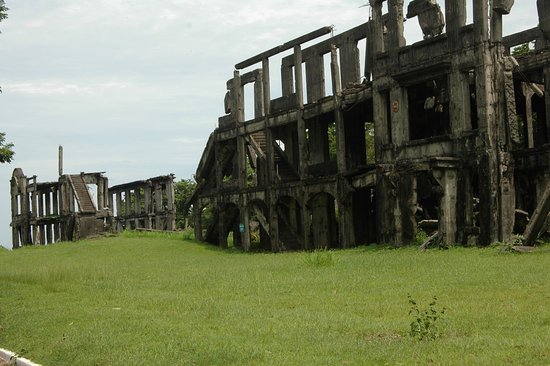 Cavite Province, Philippines : The old barracks