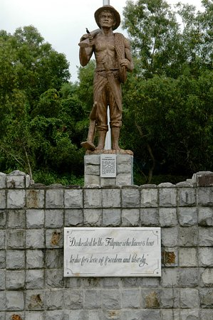 Cavite Province, Philippines : Dedication to filipino soldiers
