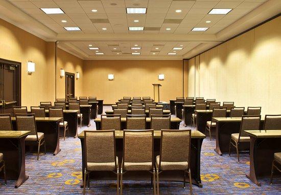 Billerica, MA: Meeting Space - Classroom Setup