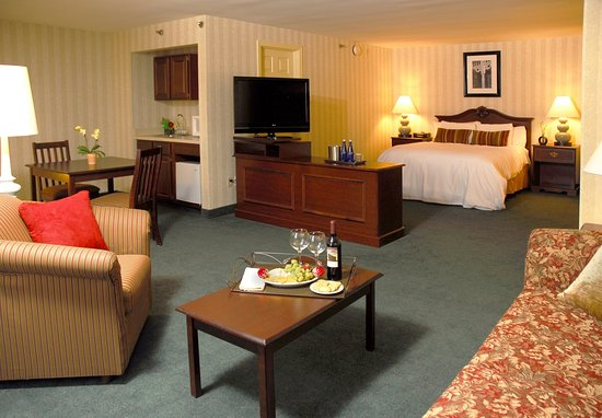 Chelmsford, MA: Suite
