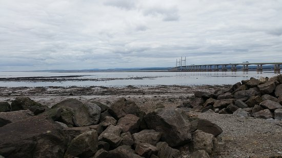 Severn Beach, UK: Dull. Don't be fooled that's mud not sand