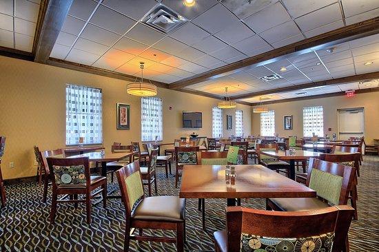 Charleston, فرجينيا الغربية: Breakfast Seating Area