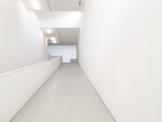 photo1 jpg - picture of dox centre for contemporary art  prague